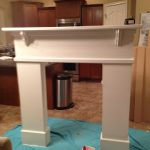 New Look for Fireplace: DIY Fireplace Mantel